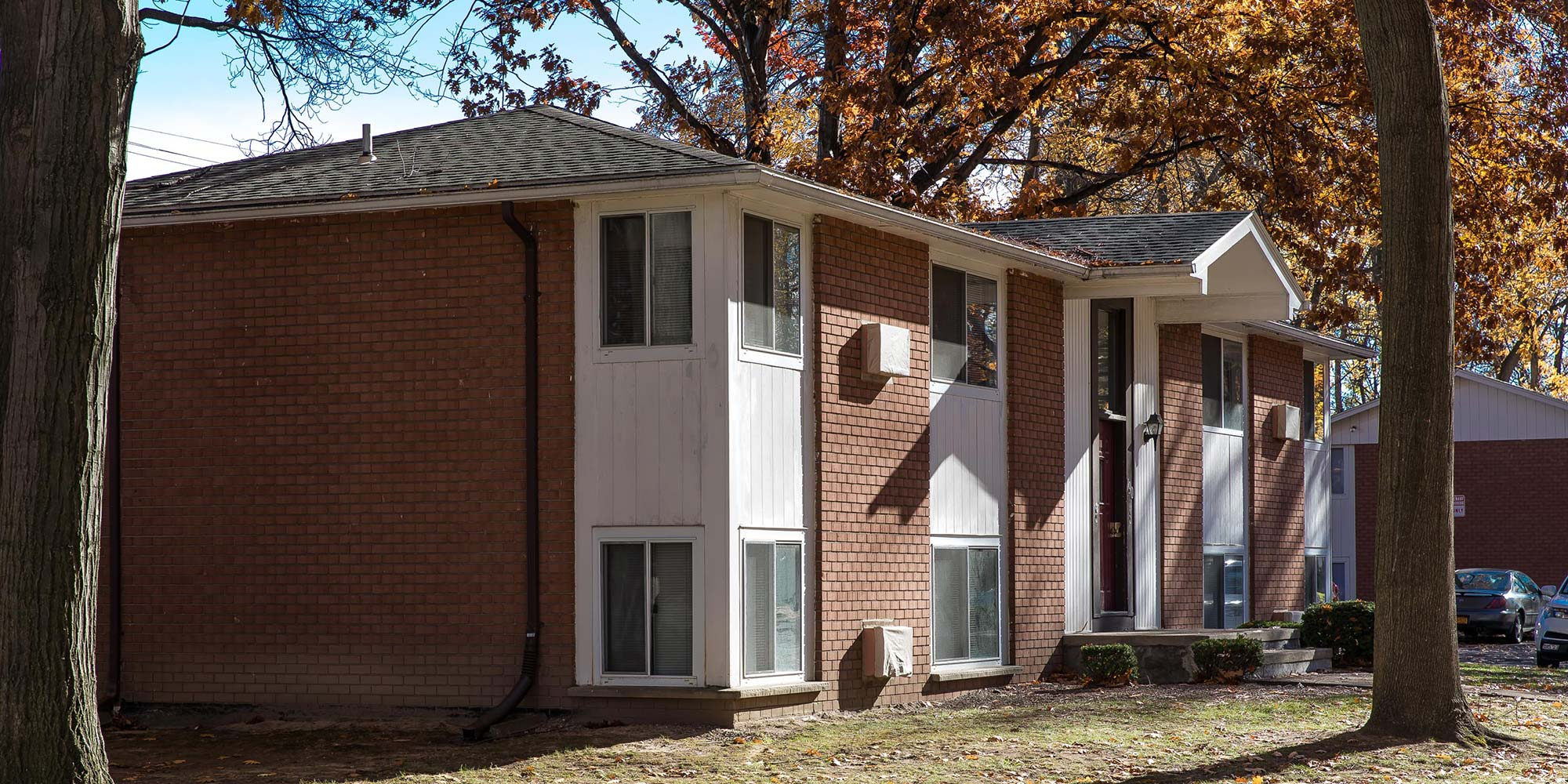 Glenora Gardens Apartments features and amenities